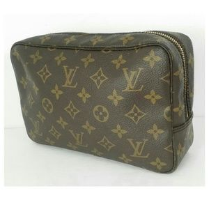 Au Louis Vuitton Trousse Monogram- Good Condition